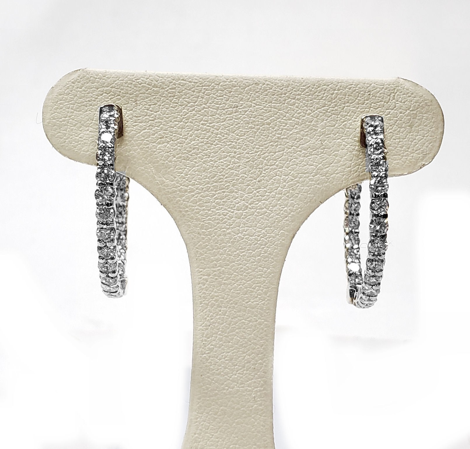Diamond Hoop Earrings Outside/Inside Settings, 1.03cts.t.w.