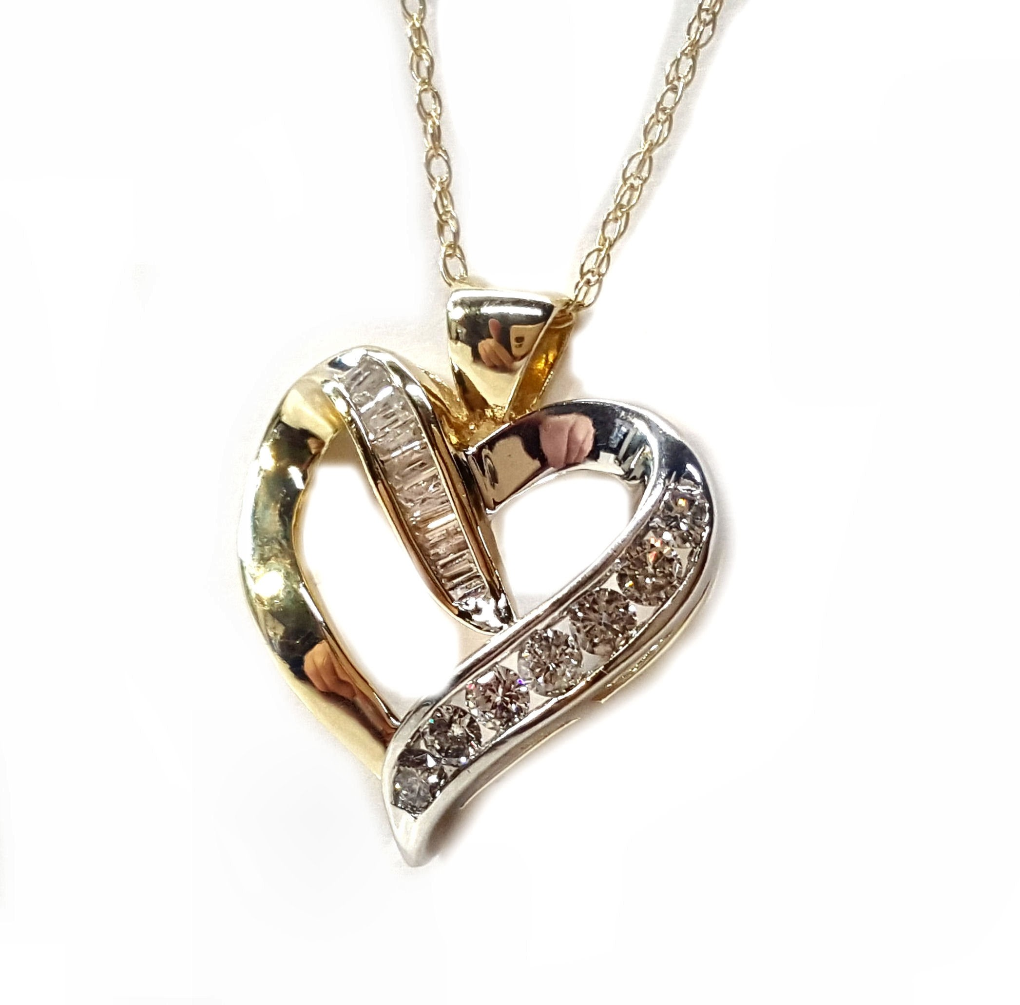 Heart Pendant with Baguettes/Round Diamonds Set in 10kt Gold